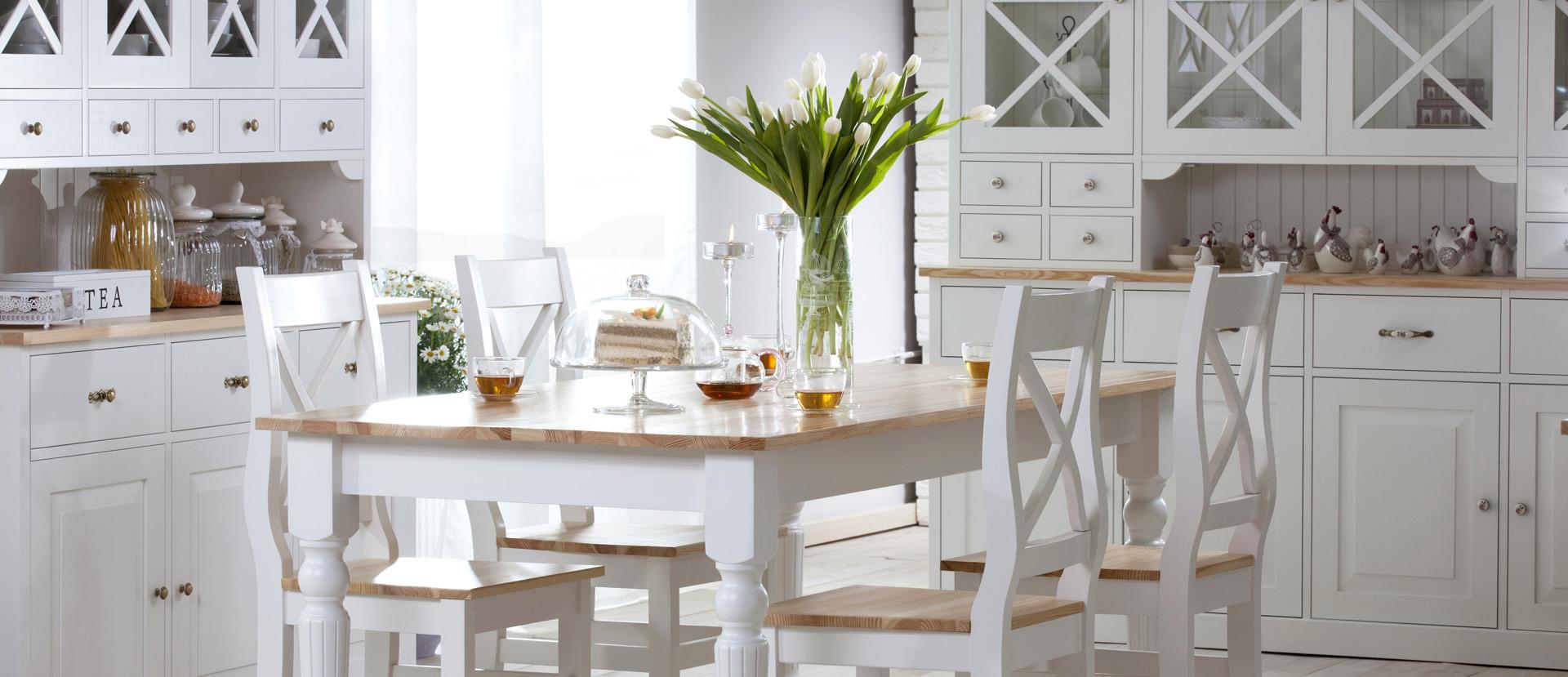 Otwarta przestrzeń w domu, czyli jak połączyć kuchnię z salonem