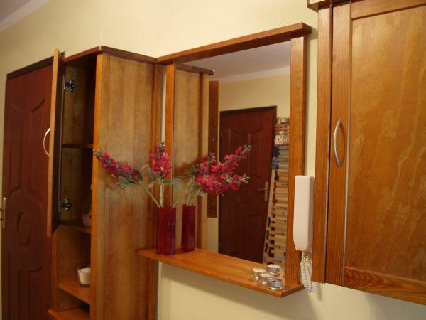 Czy meble drewniane nadają się do łazienki?